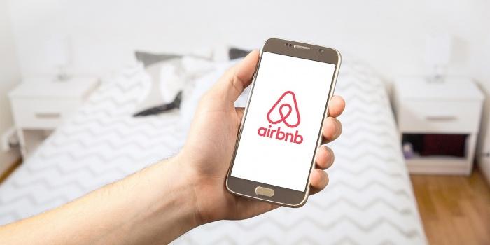 Airbnb moet servicekosten aan huurders terugbetalen