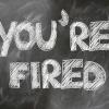 De werknemer werkt nog door na het ontslag, moet de werkgever het loon doorbetalen?